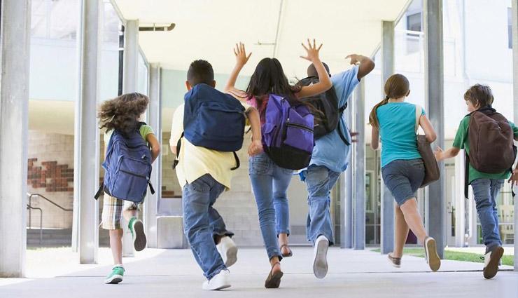 детские тележки, рюкзаки на колесах, сумки, портфели и школьники